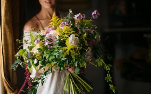 Какие цветы подарить учителю на выпускном вечере?
