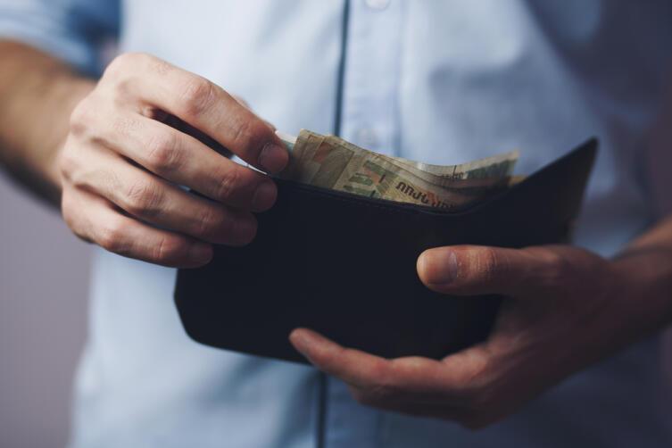Зарплата директора завода в СССР составляла 250−400 рублей