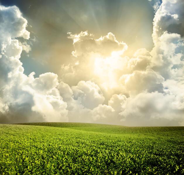 Когда люди массово любуются облаками?