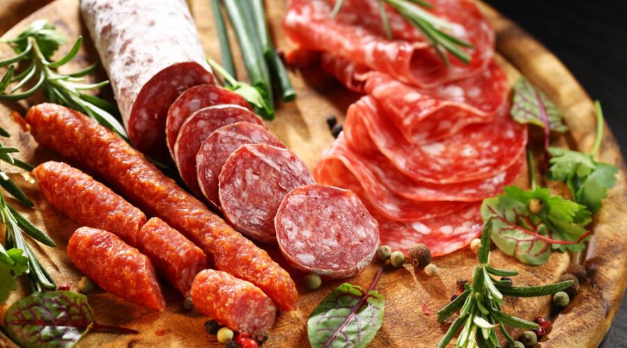 Как правильно выбрать копченую колбасу?