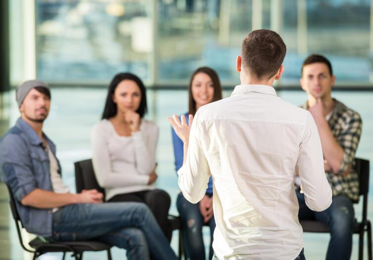Впечатление о человеке складывается в первые 15 секунд разговора