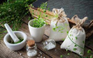 Чем полезен сорняк пастушья сумка и что можно из него приготовить?