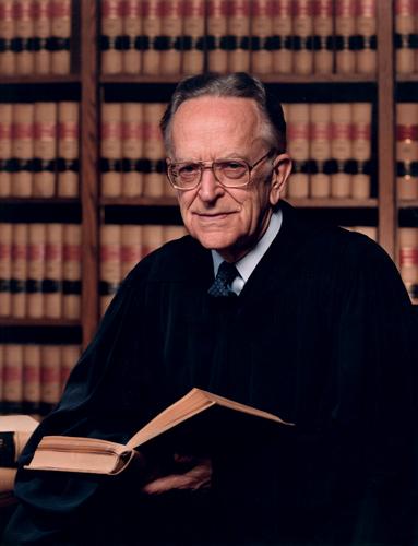 Гарольд Эндрю Блэкман (12 ноября 1908 — 4 марта 1999) — член Верховного суда США