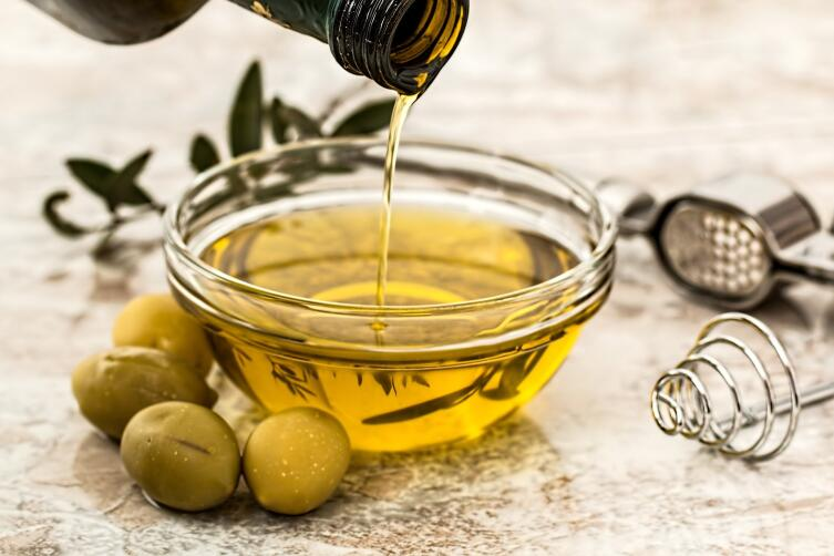 Оливковое масло укрепляет волосы