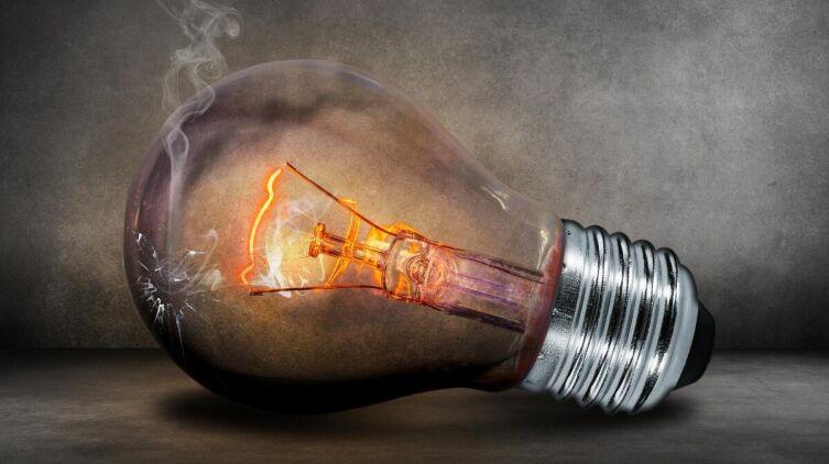 О чем мечтают женщины? Монолог лампочки накаливания