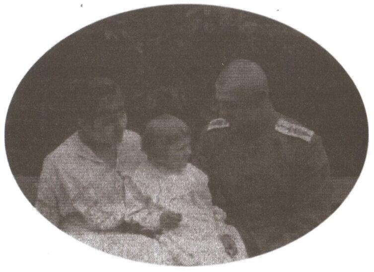 В. О. Каппель с семьёй. Фото времён Первой мировой войны