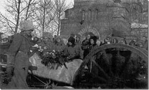 Перенесение праха генерал-лейтенанта Каппеля из Нового собора в женский монастырь в Чите. Февраль 1920 г.