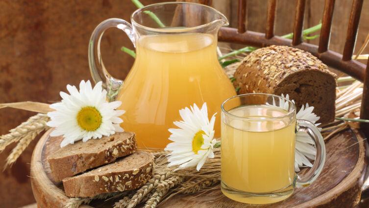 Чем полезен хлебный квас и как его приготовить?