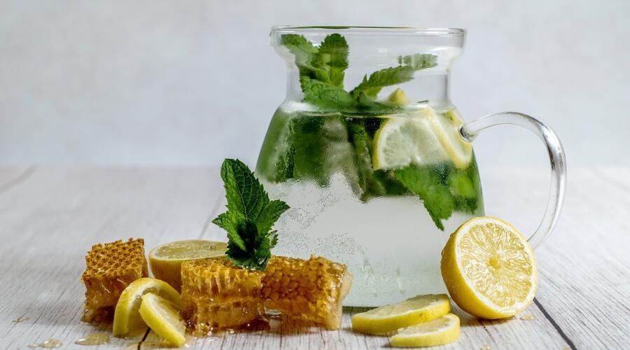 Как приготовить домашний лимонад?