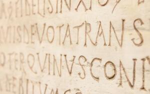 В системе школьного образования латинский язык занимал достойное место в России вплоть до революции 1917 года.