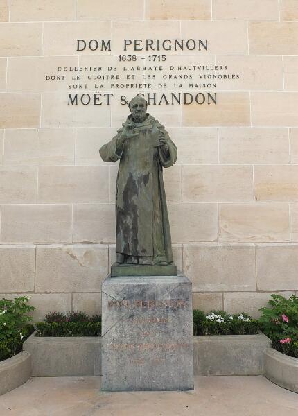 Памятник Пьеру Периньону