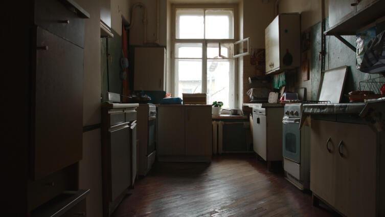 Нахождение на кухне порченой еды навлекает на обитателей жилья денежные проблемы