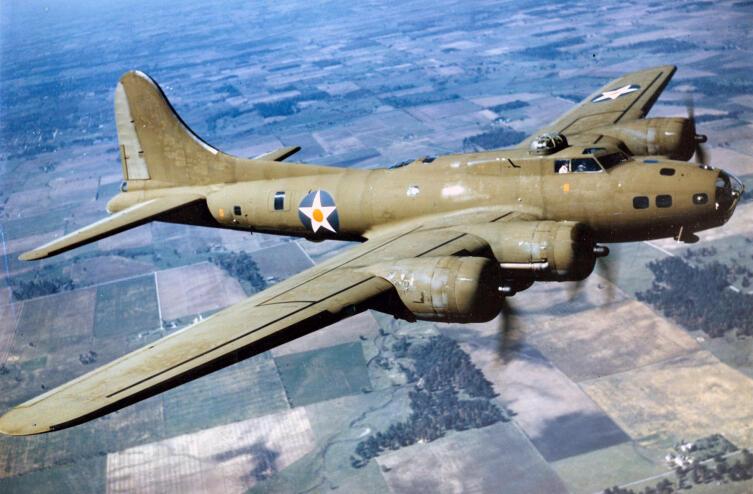 B-17E ВВС США в полёте