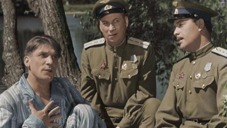 Кадр из к/ф «Небесный тихоход», 1945 г.