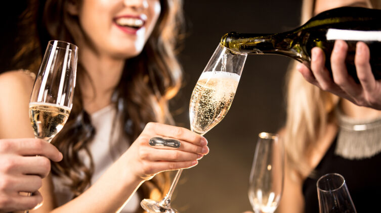Когда появилось шампанское?