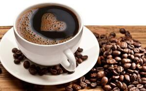 Здоровому человеку в разумном количестве кофе полезен!