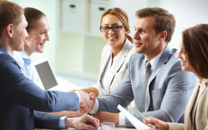 Как грамотно организовать пространство для переговоров в небольшой компании?