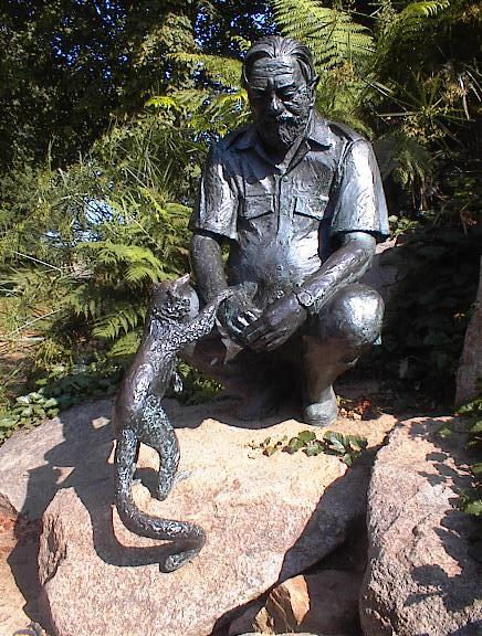 Скульптура в зоопарке Джерси