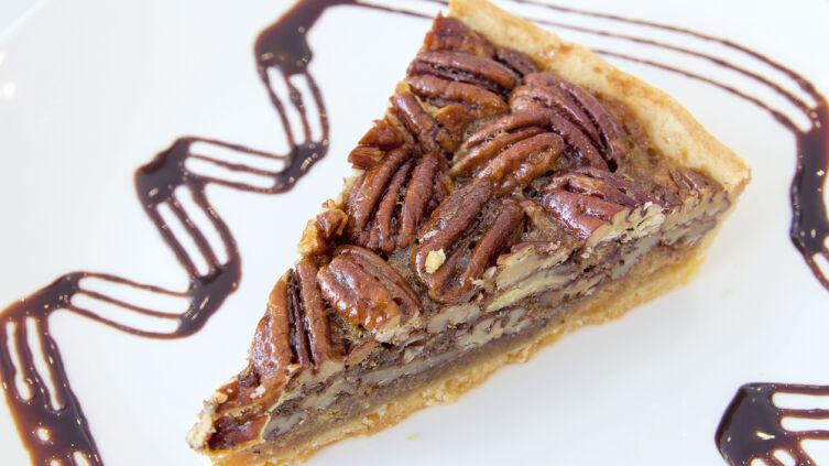 Шоколадный пирог с пеканом
