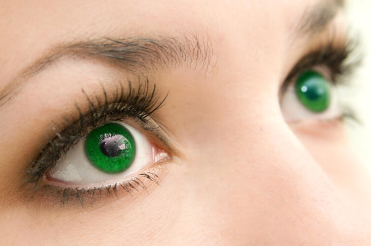 Какой характер у обладателя зеленых глаз?