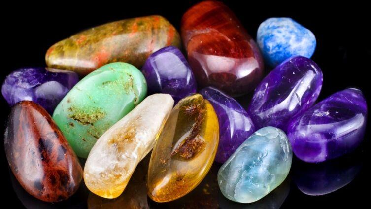 Какие камни подходят в качестве оберега знакам огненной стихии?