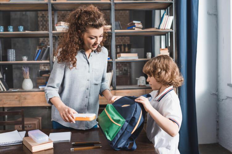 Ваш ребёнок не любит делать уроки?