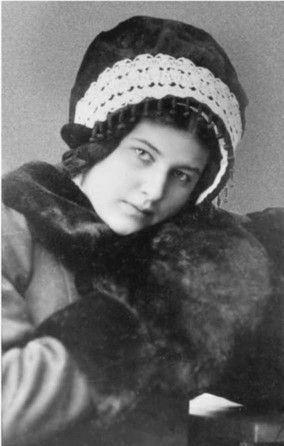 Лариса Рейснер, 1913 г.