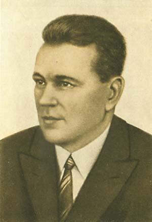 Импозантный посол Федор Раскольников несколько лет разделял ложе с красавицей Ларисой