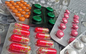 Антибиотики. Чего от них больше — пользы или вреда?