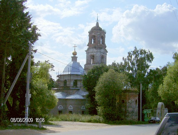 Храм в Троице-Лобаново