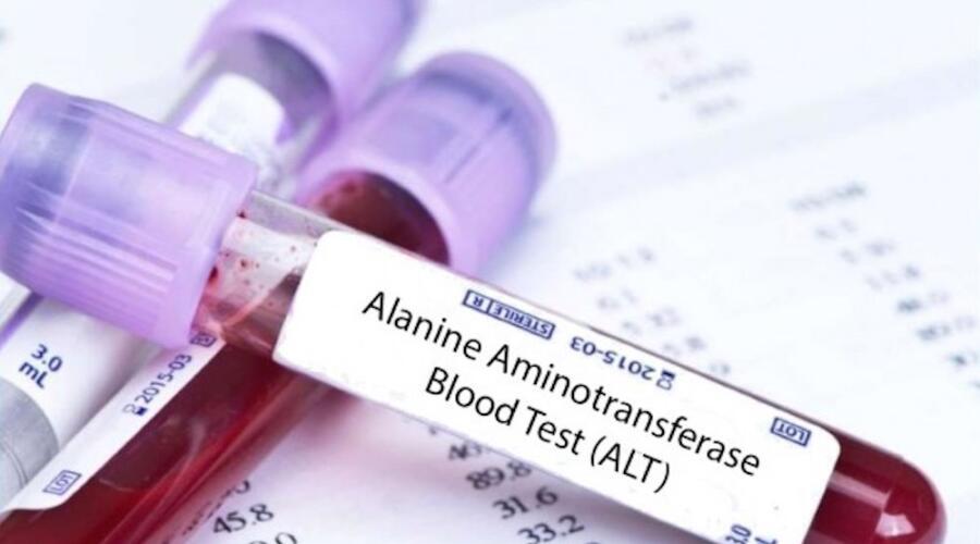 Повышены АЛТ и АСТ в анализе крови: что это значит и серьезно ли это?