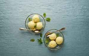 Как сделать мороженое из сливок и сыра?