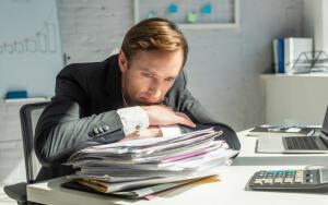 За что работодатель может отстранить от работы?