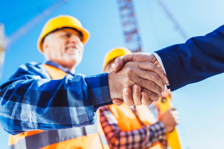 Что представляет собой вынужденный простой на работе по вине работодателя?