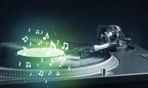 Какие аудиожанры можно встретить в современных СМИ?