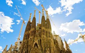 Самый известный долгострой. Какой собор строится уже больше ста лет?