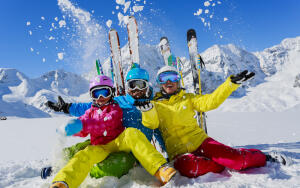 Когда люди придумали лыжи?