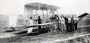 Первый летавший самолет, построенный в России в 1910 г.
