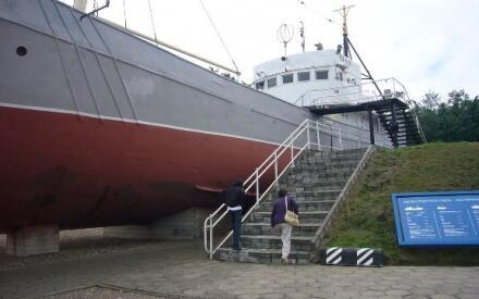 Oтслуживший свой век СРТ3216 на стоянке у Морского музея в Клайпеде.