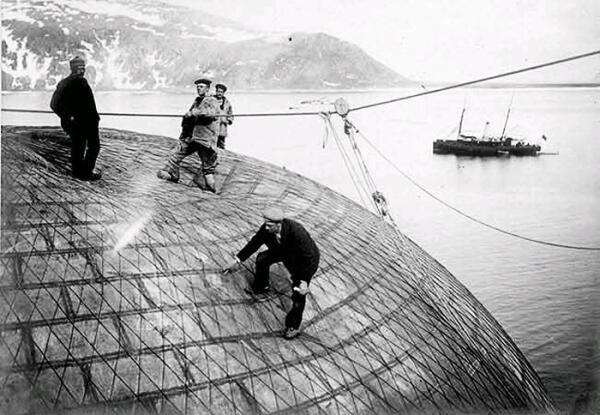 Проверка герметичности оболочки шара на Шпицбергене, 1897г.
