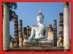 Каменный Будда. Его присутствие в Таиланде вы встретите повсюду. Не забывайте, что тайские законы запрещают вывозить из страны изображения Будды в любой форме.