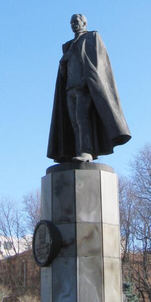 Памятник П.Н. Нестерову в Нижнем Новгороде