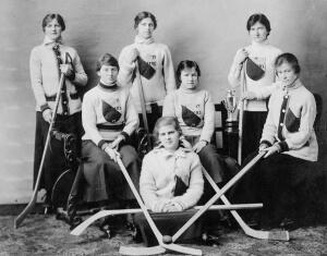 Бабушки хоккея