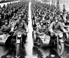 Мотоциклисты готовы к параду
