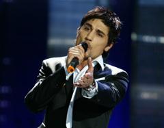 Отечественные исполнители все чаще исполняют песни на английском языке, например, Дима Билан.