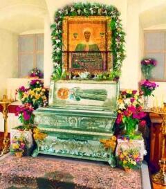 Рака с мощами святой Матроны Московской