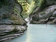 В Мокром каньоне реки Псахо можно искупаться
