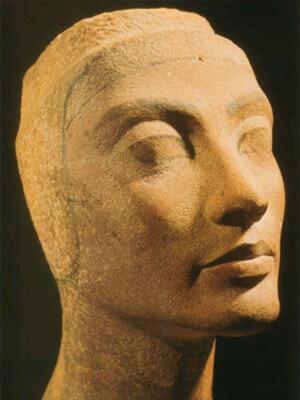 Древнее изваяние Нефертити