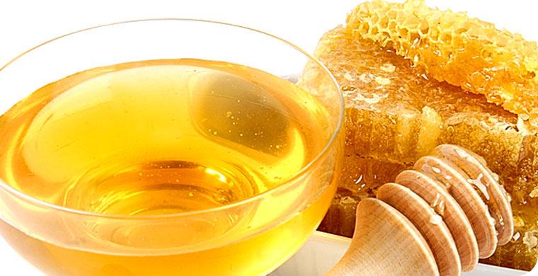 ...и видеозаписи пчёл, которых они купили, и все процессы в изготовлении для них мёда манука.