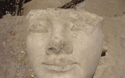 Голова Рамсеса II, которую Бельцони открыл для Лондона